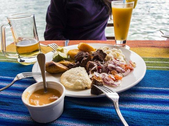 Cabanas del Lago - comedor : Carne Colorada and Empanadas de Morocho
