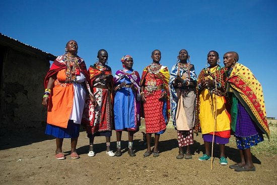 Oldarpoi Mara Camp : Visiting the community