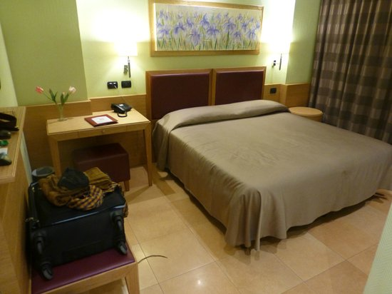 Artemis Hotel : Bett