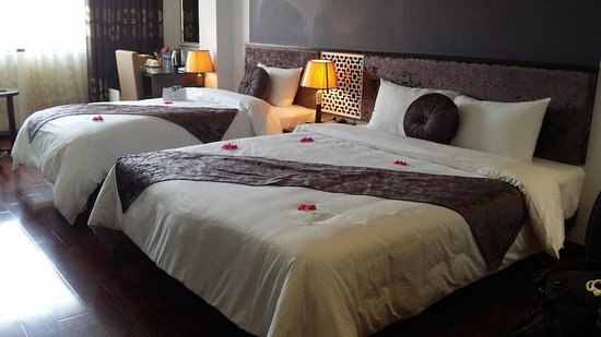 Golden Sun Suites Hotel: Family Room