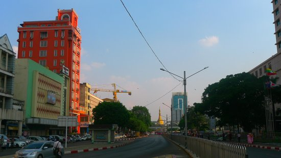 East Hotel: Sule Pagoda Road
