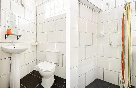 Mustique Suites Curacao: Bathroom Deluxe room