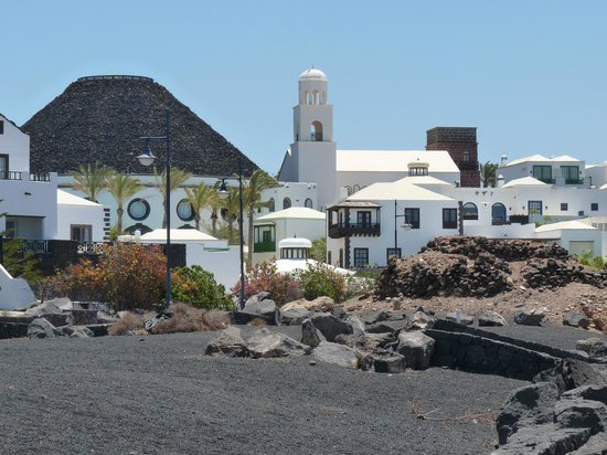 Playa Blanca, Mexico: local church
