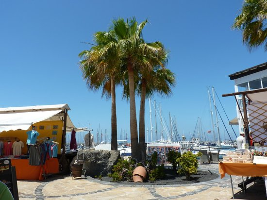 Playa Blanca, Meksiko: another lovely view to the marina from the square