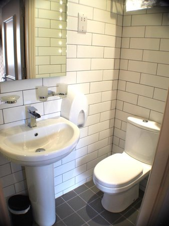 York House Hotel: Bathroom