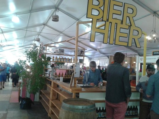 Root44 Market: Beer stall