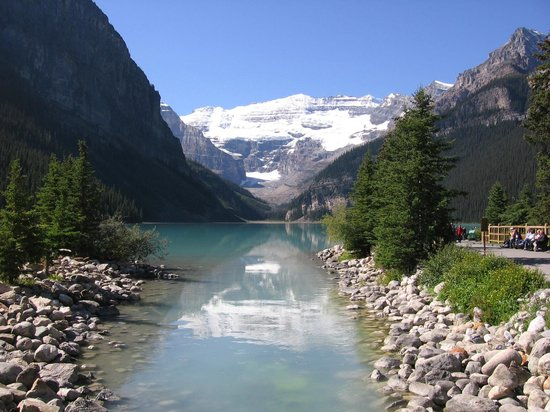 Lake Louise: Ever few steps is yet another photographic opportunity.