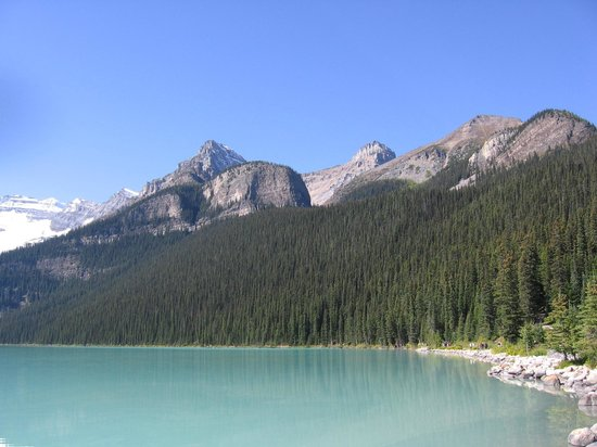 Lake Louise: Following the hike along the lakeside.