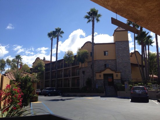 Holiday Inn Express San Diego N - Rancho Bernardo: One of the accommodation buildings