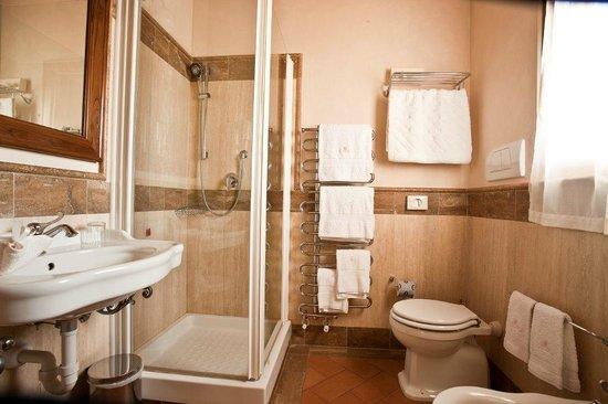 Locanda Poggioleone: bagno