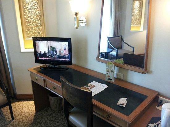Indra Regent Hotel : Room