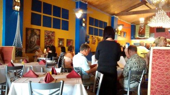 Trabue : Restaurant Scene