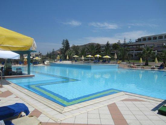 Iberostar Creta Marine: Main pool