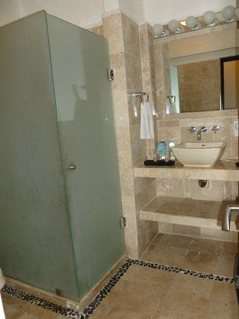 Hacienda Paradise Boutique Hotel by Xperience Hotels: baño amplio