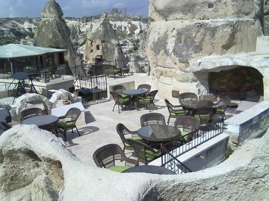 Arif Cave Hotel: Terrace