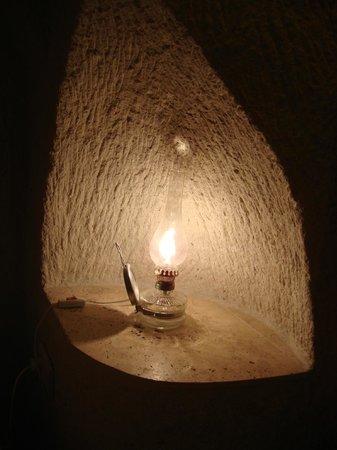 Arif Cave Hotel: Lamps