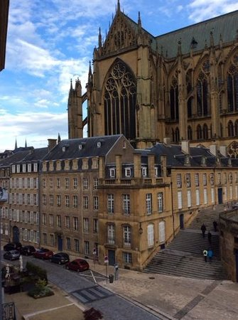 Hotel de la Cathedrale : gorgeous view from our window.