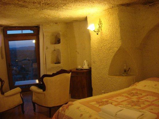 Arif Cave Hotel: Cave room