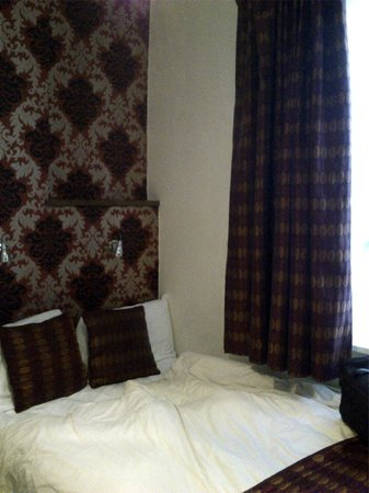 Leigh House Hotel: Bed