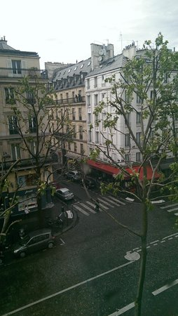 Hotel Massena: Вид из окна номера