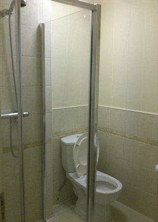 Leigh House Hotel: Bathroom