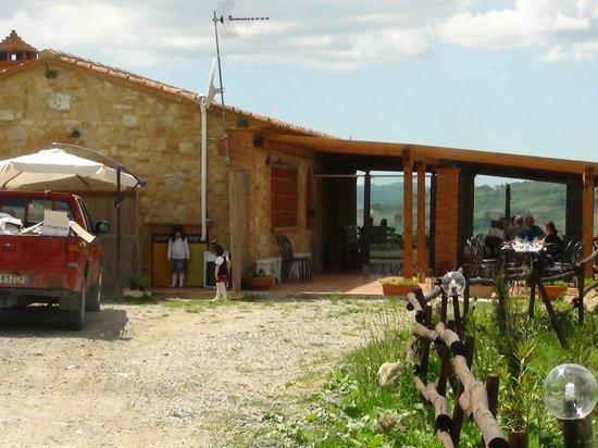 Ristorante con tavoli all 39 aperto picture of osteria villa felice volterra tripadvisor - Ristorante con tavoli all aperto roma ...
