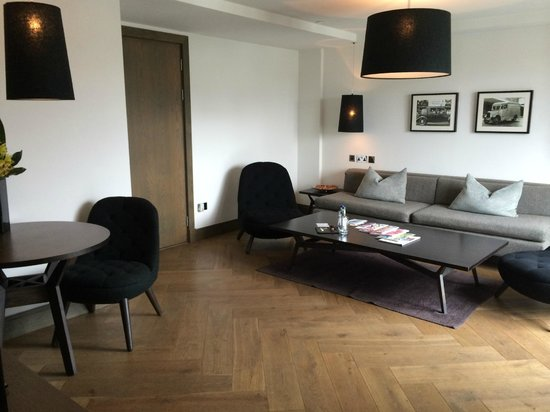 Blythswood Square: lounge
