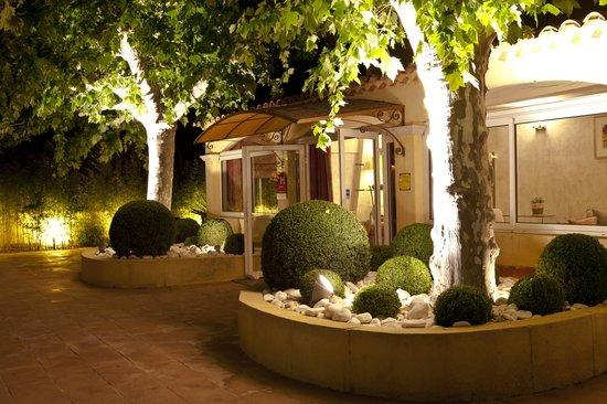 La Bastide de Cabries : Entrée de l'hôtel