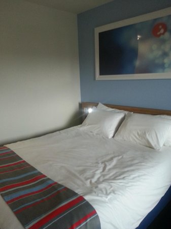Travelodge Llanelli Central : Comfy bed!