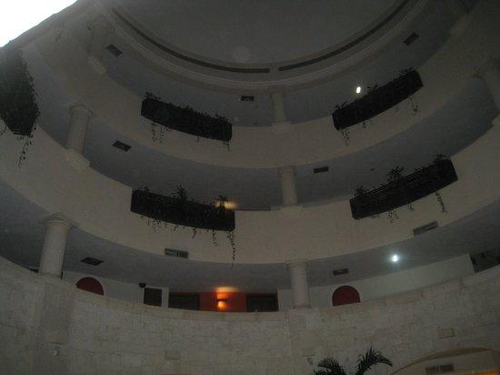 Adhara Hacienda Cancun : intérieur du lobby
