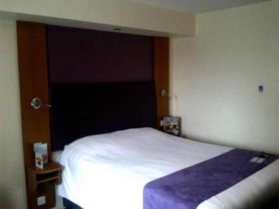 Premier Inn Coventry City Centre (Belgrade Plaza) Hotel: Bed