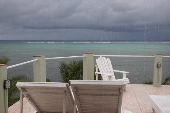 The Landings at Tres Cocos: Sundeck (view from screened area)