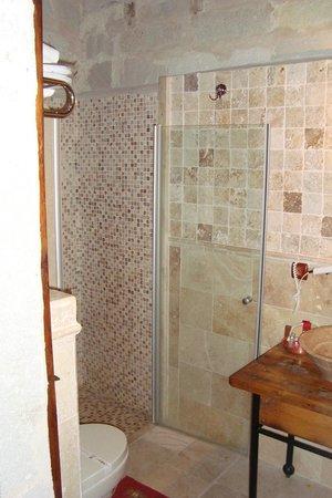 Sultan Cave Suites: mooi verzorgde badkamer