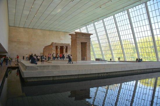 The Metropolitan Museum of Art: Temple inside MET