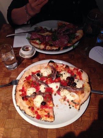 La Perla: Pizza!