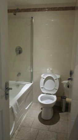 The Bonnington Dublin : New bathroom suite