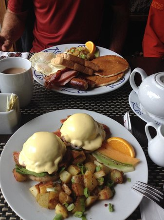 Anglers Dining: 5 different eggs bennies, anglers breakfast! Did I mention included with accommodations!
