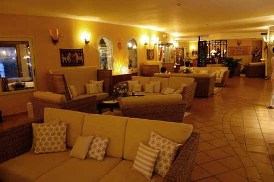 Cruccuris Resort: Lobby