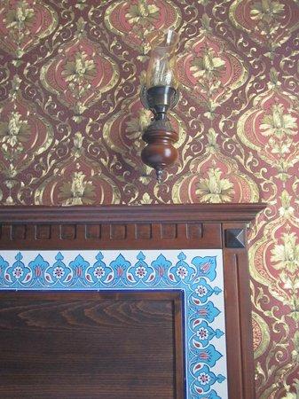 Cem Sultan Hotel : türikisches Flair im Zimmer