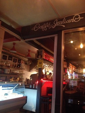 Caffe Italiano: Inside