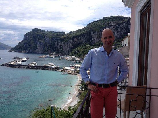 Capri Inn: Vista dal balcone della camera