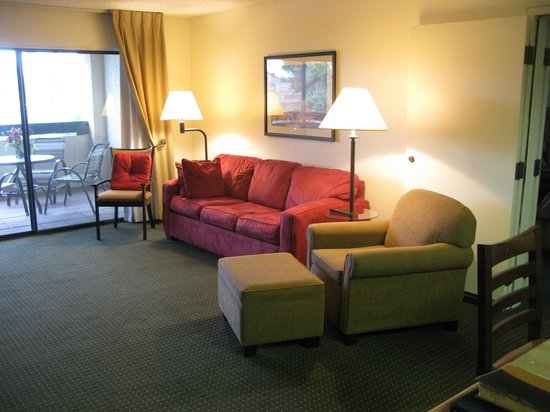 Days Inn & Suites Scottsdale North: Suite