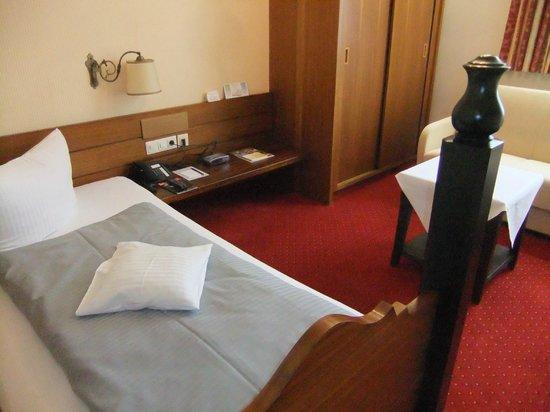 Romantik Hotel Bold: Single bed