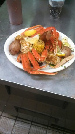 Harry A's Restaurant & Bar : Steam crab pot!! With potatoes, corn and sausage!!