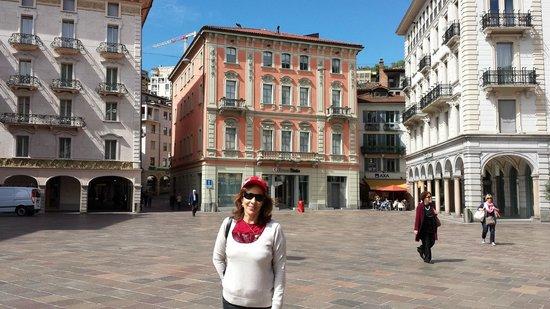 Lugano Dante Center Swiss Quality Hotel: Praça em  Lugano ,  no  Hotel  Dante
