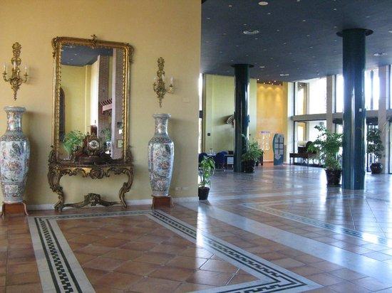 Estival Park Salou : Холл 3 корп.