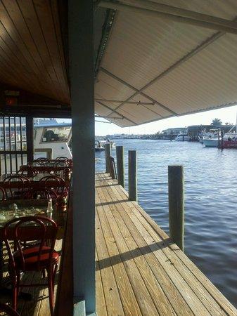 Kelly's Fish House Dining Room: Kellys nostalgic