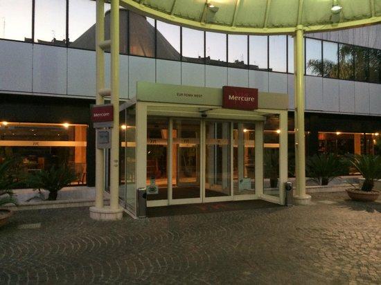Mercure Roma West: ホテルの外観