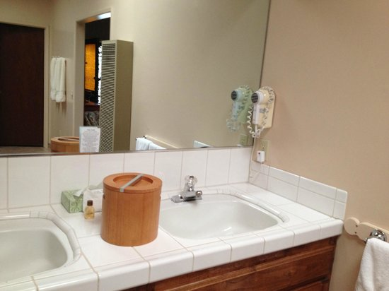 Sutter Creek Inn: sink