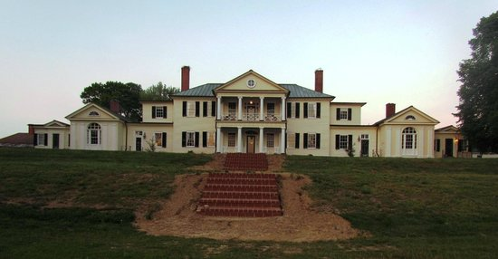 Belle Grove Plantation Bed and Breakfast: Looking back at Belle Grove